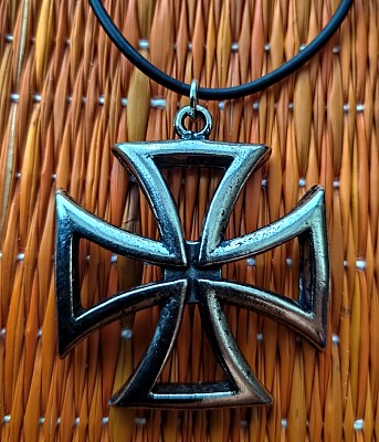 53. Medalion Cut out Iron Cross
