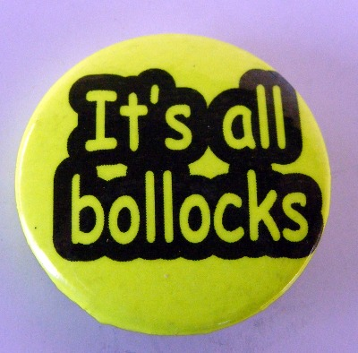Insigna mica galbena IT S ALL BOLLOCKS