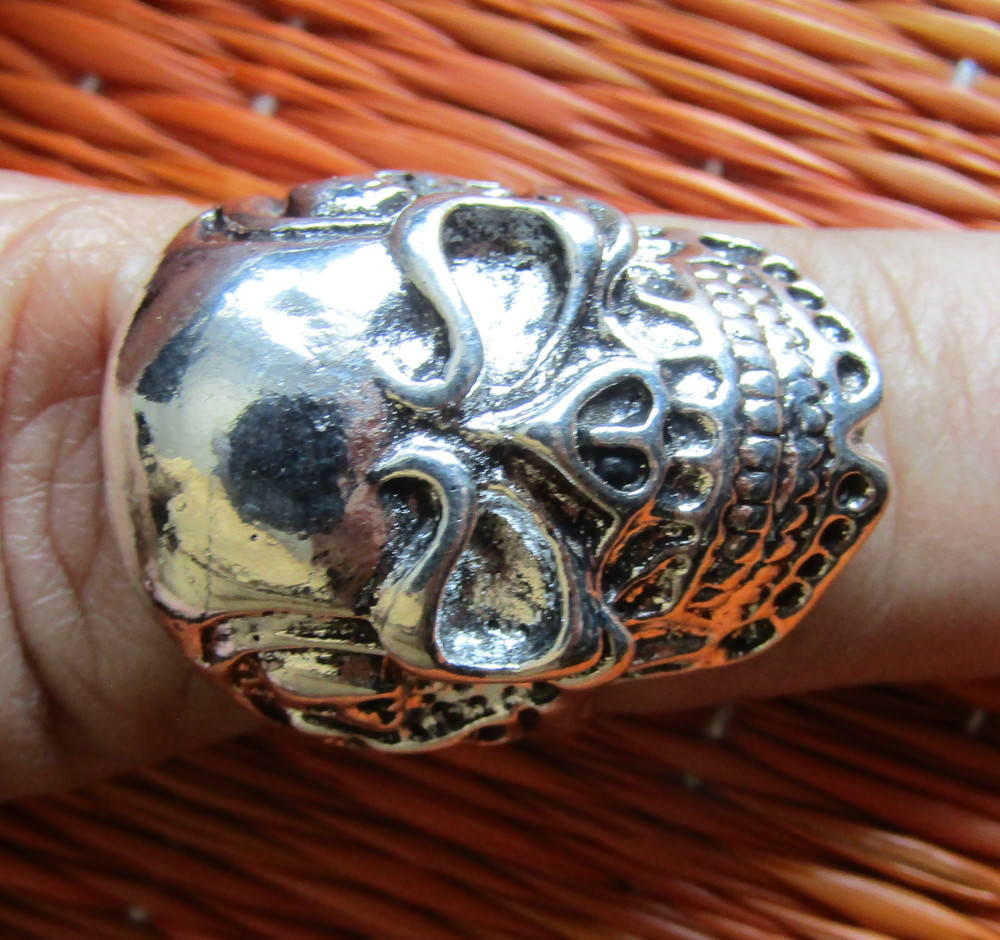 Rebel Ring Big Skull