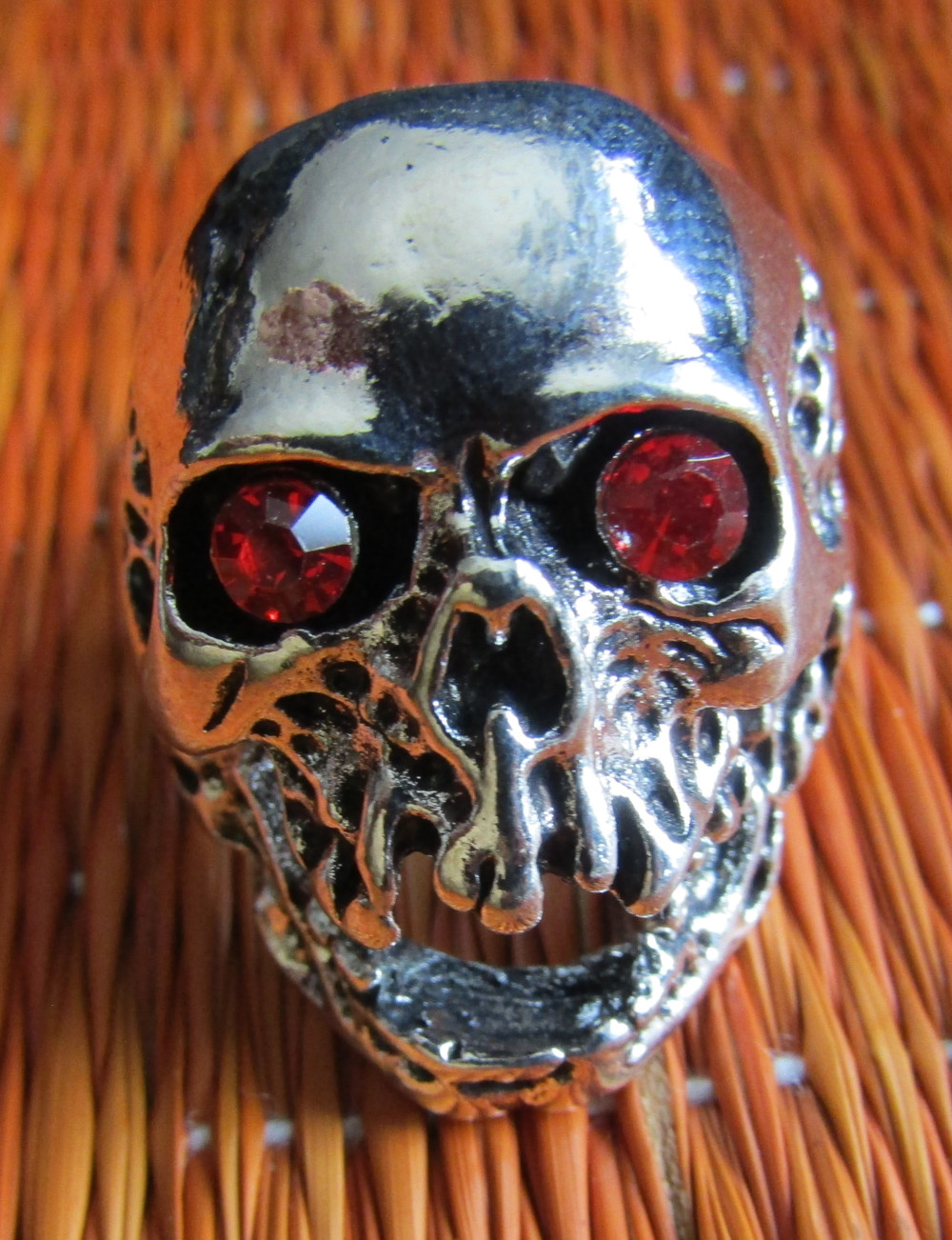 Rebel Ring Red Eyed Skull