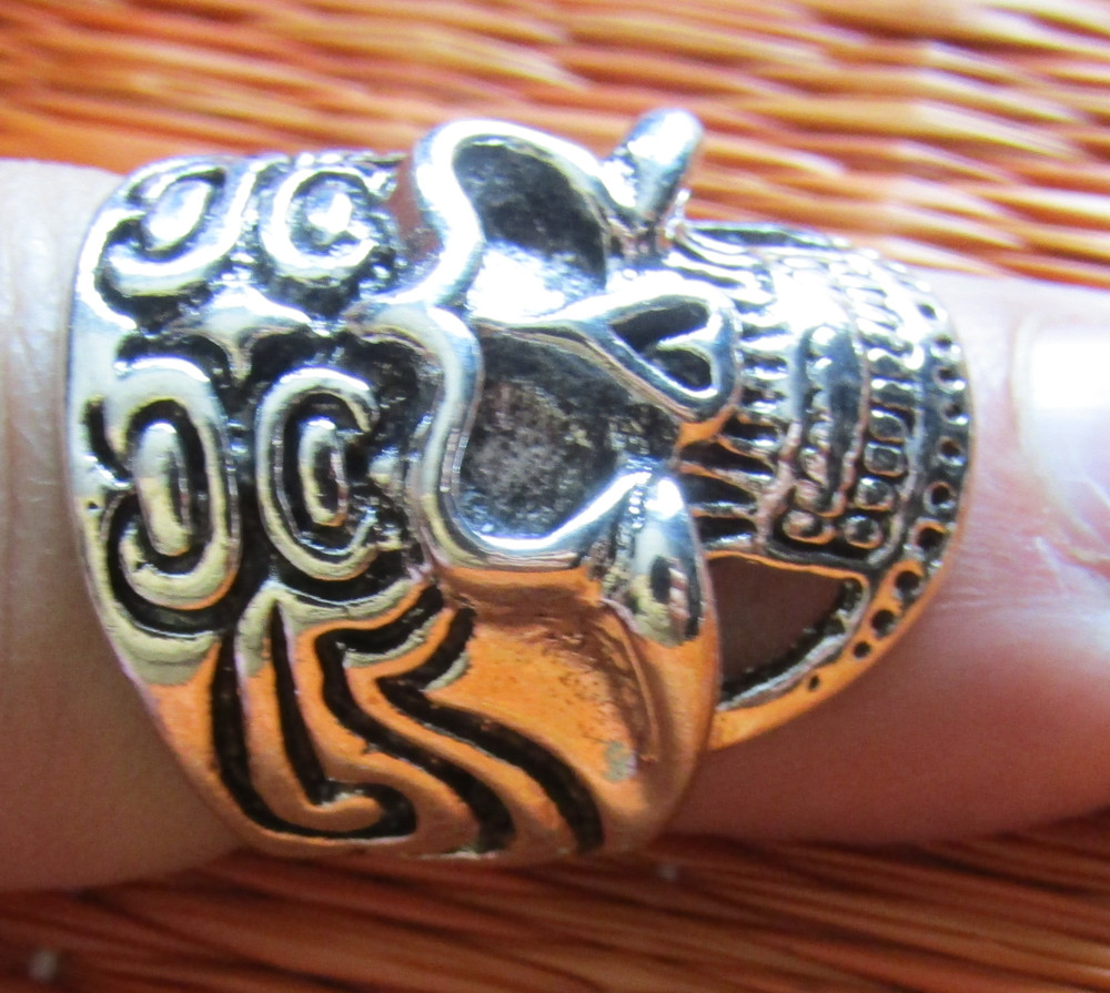 Rebel Ring Tribal Skull